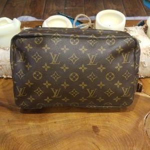Authentic Louis Vuitton toiletry 28 bag